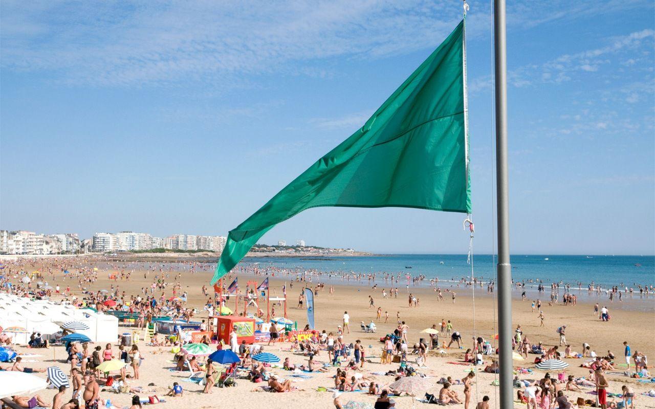 Postes de secours des plages aux sables d 39 olonne en vend e - Office de tourisme les sables d olonnes ...
